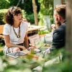 Как да продаваме успешно - невербално поведение
